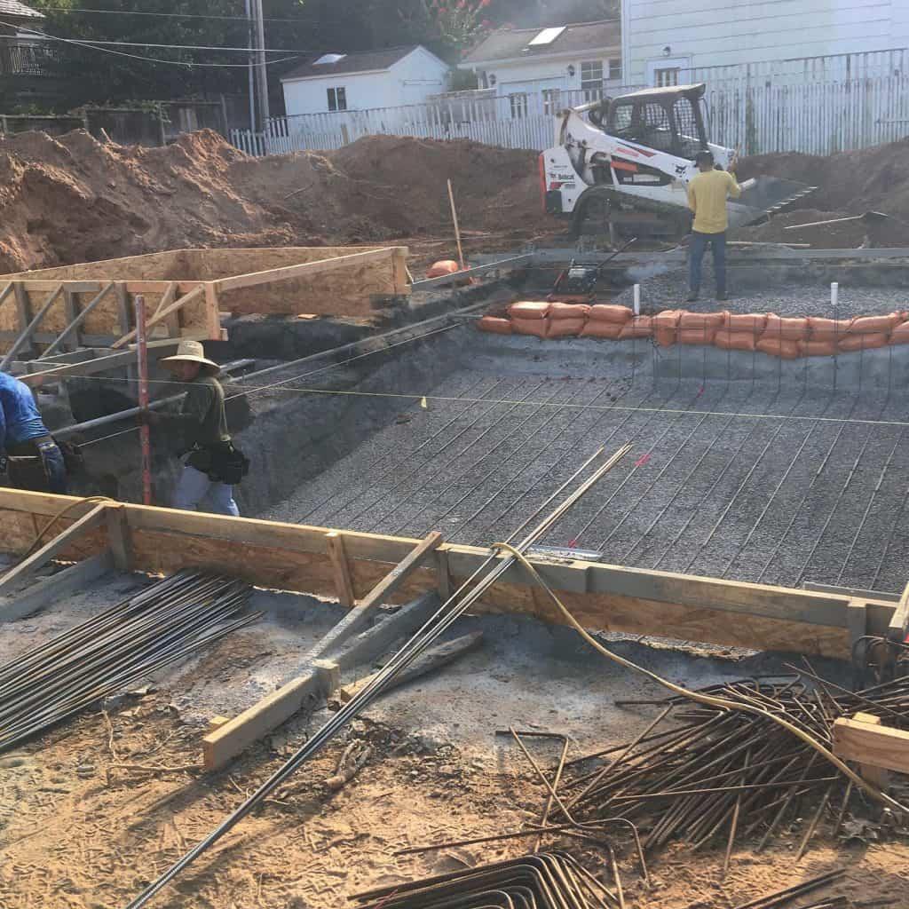 pool construction contractors