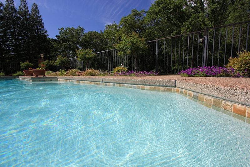Pool-resurfacing_4042_ss_sacramento_ca_050812