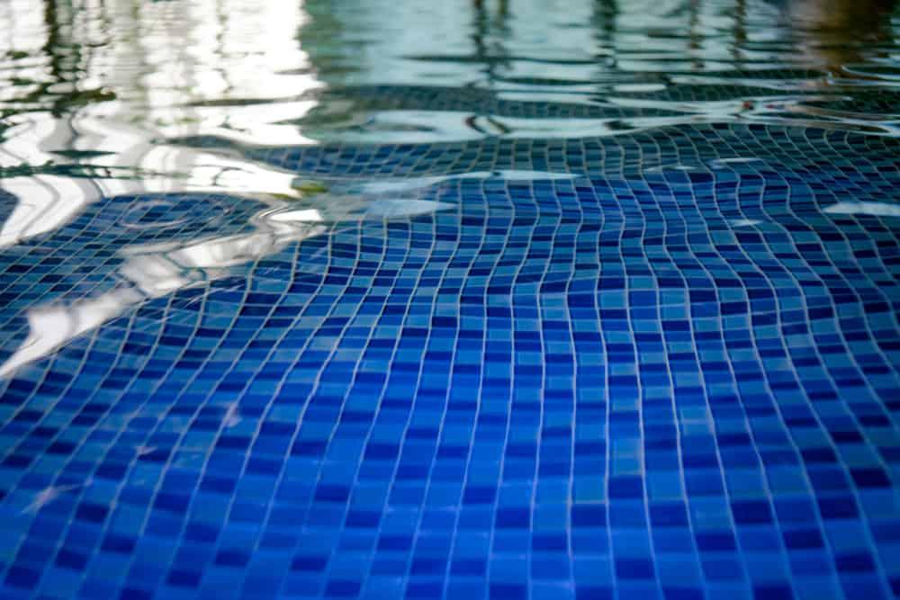 Clean Pool Tiles